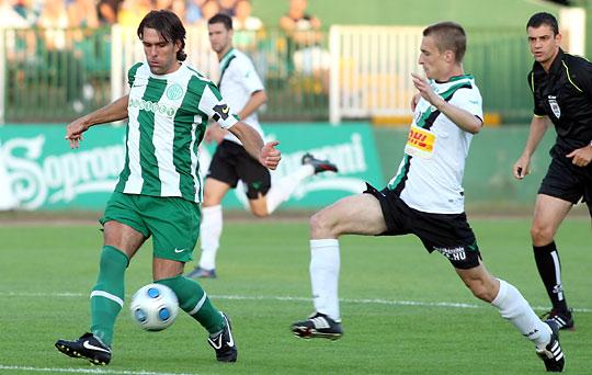 Lipcsei (balra) ismét a kezdőbe került, vele egy pontot szerzett a Fradi - de ismét nem nyert (Fotó: Török Attila)