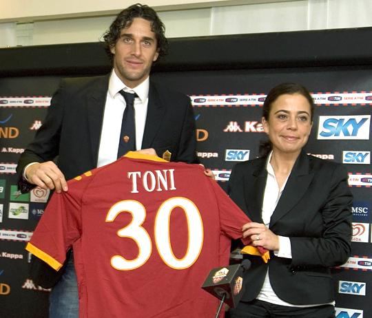 TGN106_SOCCER-ITALY-TONI_0102_11540.jpg