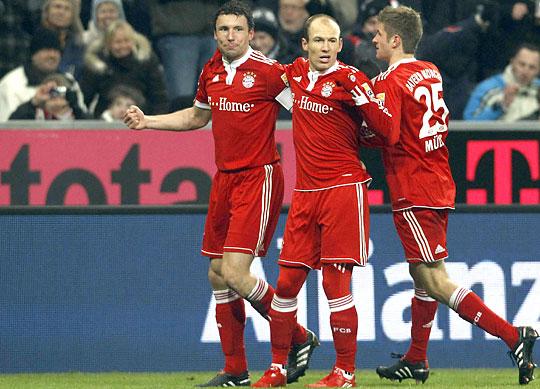 Az egyik bajor gólöröm a háromból: középen a vezetést megszerző Arjen Robben (Fotó: Reuters)