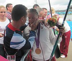 Kozák Danuta aranyos örömkönnyei korábbi edzőjével, Simon Miklóssal