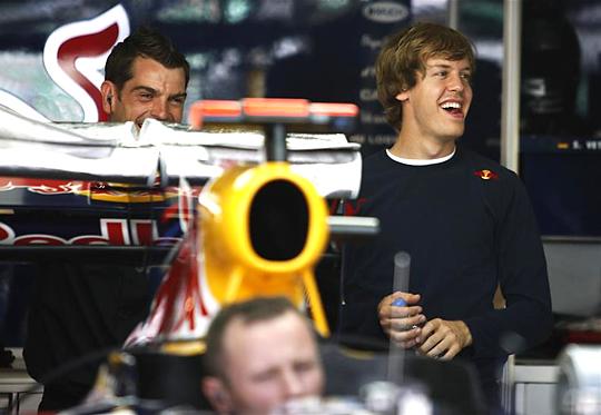 Ismét Vettel (jobbra) örülhetett az időmérő után (Fotó: Reuters)