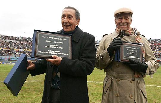 Alcides Giggia (balra) és Matias Gonzalez, az 1950-es aranyérmes csapat két tagja (Fotó: Action Images)
