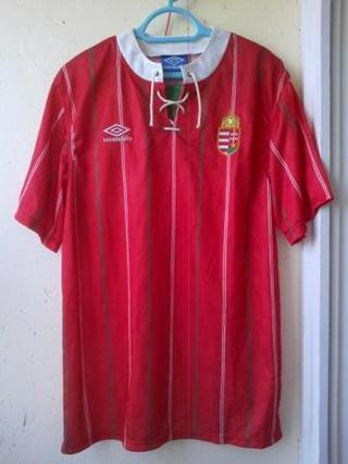 f825cc4447 Retró szerelés az Umbrótól az Old Football Shirts kollekciójából