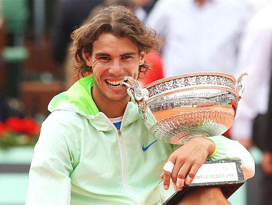 Nadal ötödször kerülhetett intim viszonyba a Roland Garros-trófeával (Fotó: Action Images)