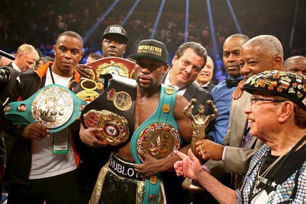 Profi boksz  Mayweathert megfosztották világbajnoki övétől - NSO d7898ce3ab