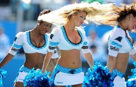 Mindent bedobnak a cheerleaderek, a Super Bowl szexi sz�ps�gei
