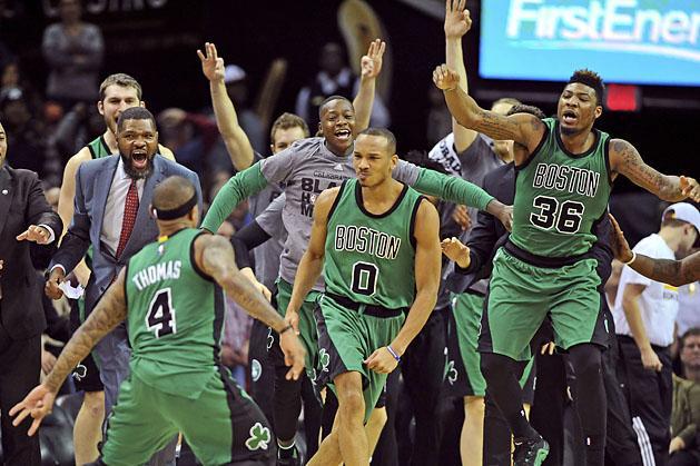 NBA: �ri�sit hajr�zott a Boston; Dallasban nyert a Spurs