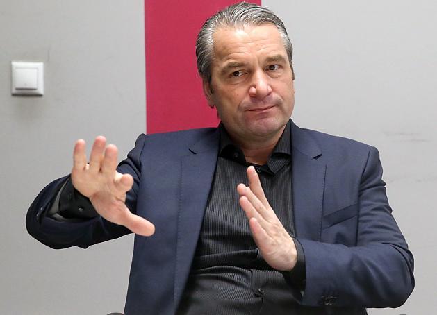 Storck beszélt Orbannal – a döntést neki kell meghoznia