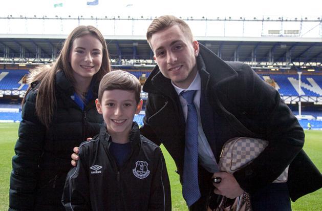 PL: lenyűgöző gesztus – 9 éves fiúé a hónap evertonos gólja