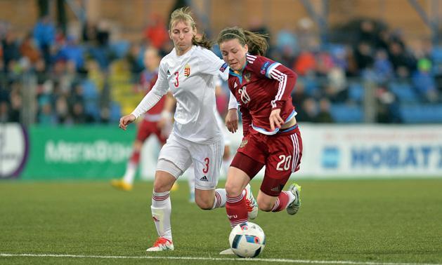 Csiszér Henrietta (fehérben) volt a magyar válogatott egyik legjobbja az  áprilisi mérkőzéseken (Fotó  mlsz.hu) 7b538250c1