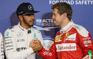 F1: A Ferrari egy lépéssel közelebb került hozzánk – Hamilton