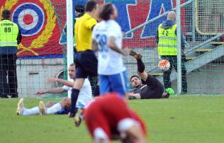 Óriási Vasas-gól 35 méterről, peches mozdulattal nyert a Fradi – 33. forduló, gólok