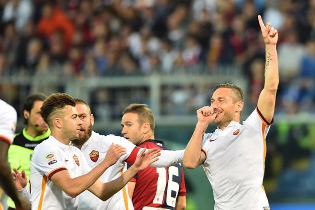 Serie A: Totti bombag�lt l�tt, a Roma ford�tott Genov�ban