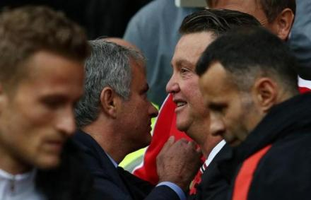 PL: Mourinho kell az MU-nak, de el�bb menjen p�nzt keresni