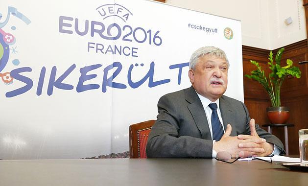 MLSZ: Cs�nyi a leggazdagabb magyar, M�sz�ros 55-tel feljebb