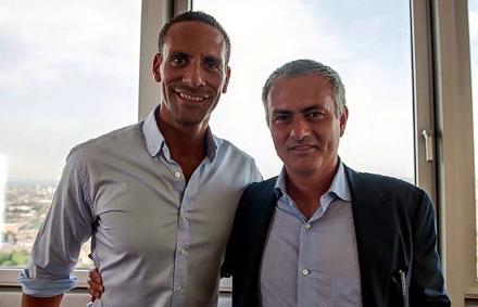 MU: Rio Ferdinand már gratulált Mourinho kinevezéséhez – kép