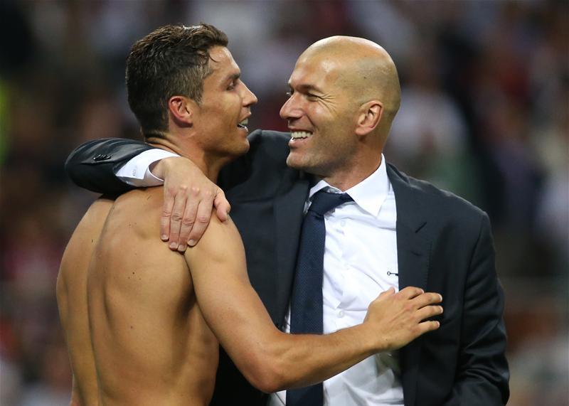 BL-d�nt�: Zidane az egyetlen a futball t�rt�net�ben, aki...