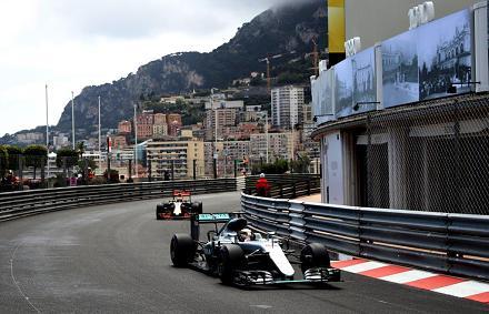 �ri�si hiba a Red Bullt�l, Hamilton nyert Monac�ban