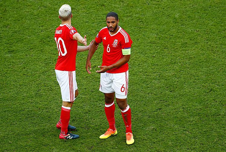 """Eb 2016: """"Hősies!"""" – Mészöly és Beckenbauer nyomdokain a walesi kapitány"""