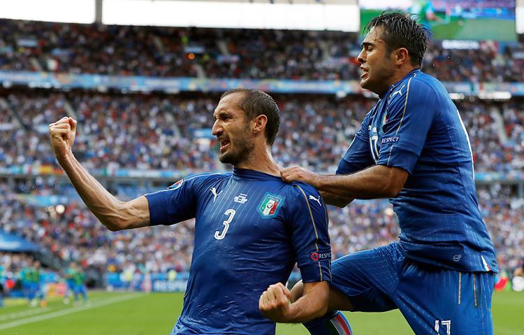 Az olaszok visszav�gtak a spanyoloknak a n�gy �vvel ezel�tti d�nt��rt