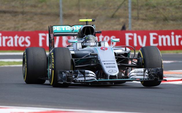 F1: Rosberg nyert, de a Red Bull meg�rkezett a Mercedes nyak�ra