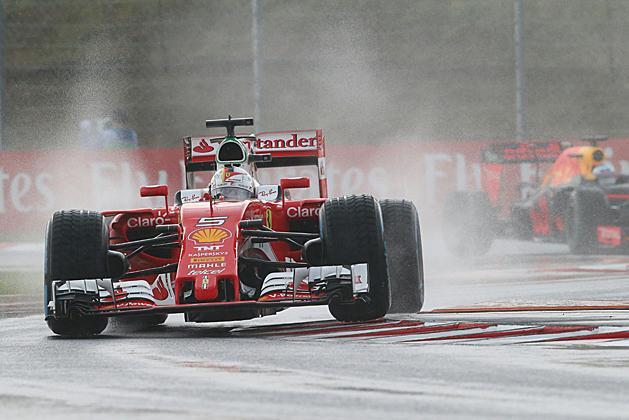 F1: Button aludt egyet előttem a pályán – Vettel