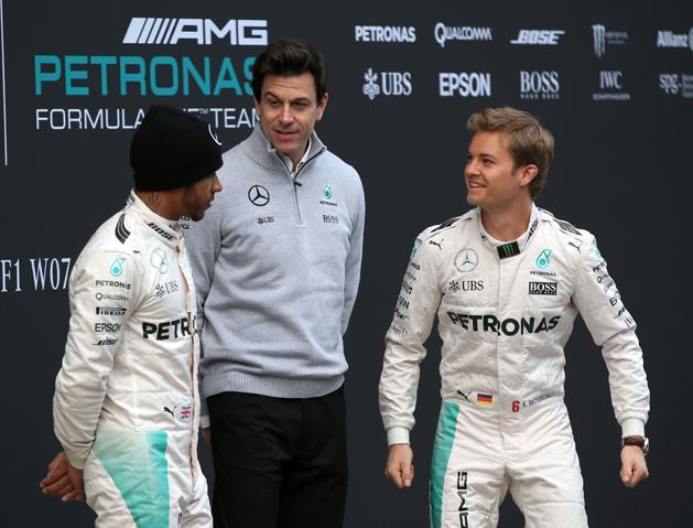 Toto Wolff el�rulta, mi�rt ragaszkodnak a Hamilton, Rosberg du�hoz