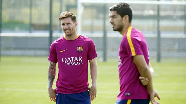 Barcelona: ezt l�tni kell! Messi sz�k�re festette a haj�t