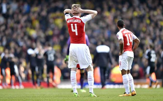 Arsenal: kezd�dik! �t h�napra kid�lhetett a csapatkapit�ny