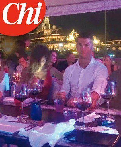 Fotó: C. Ronaldo gazellatesű bombázóval randizott – képek