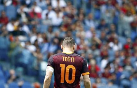 """Serie A: """"Mint a nomádok"""" – Totti keményen kritizálta Higuaínt"""