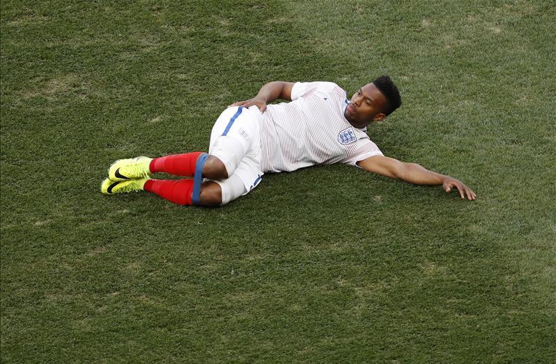 Eb 2016: az angolok szt�rja beparf�m�zi a mez�t meccs el�tt