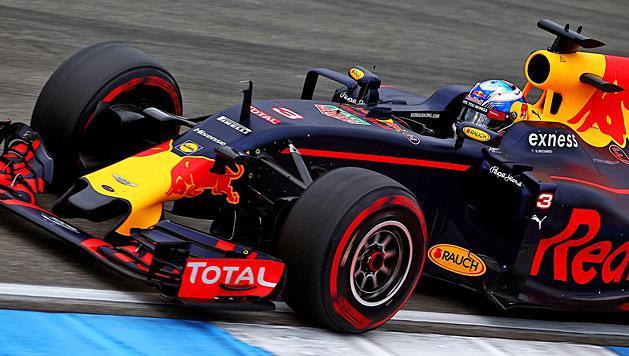 F1: megint Rosberg el�l, k�zel a Red Bull a Mercedeshez