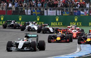 F1: Hamilton meger�s�tette a rajtb�ntet�st, h�tr�nyb�l indul Belgiumban