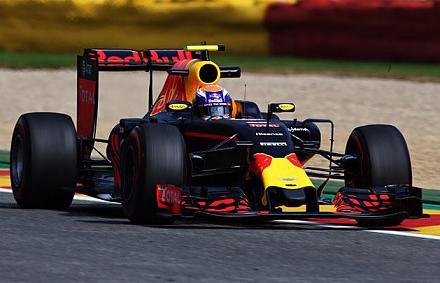 Belga sz�let�s� F1-es pil�ta az �len Belgiumban