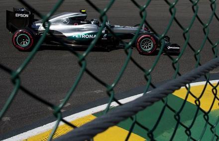 Rosberg elöl, Hamilton hátul – Verstappen volt az ellenfél