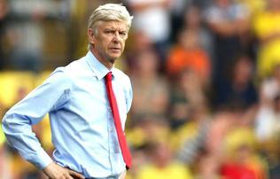 Arsenal: Wenger elismerte, �rkezik a n�met v�logatott v�d� �s a spanyol t�mad�