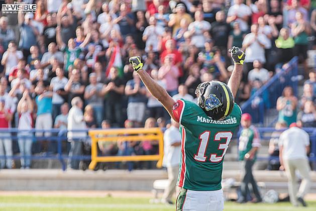 86dcdf1a27 A két touchdownt elkapó Czirók Márton ünneplése (Fotó: Radó Norbert)