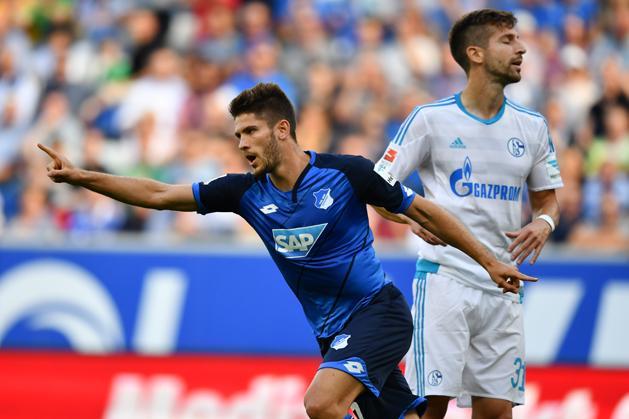 Újabb Schalke-zakó, a gelsenkircheniek gyalázatosan kezdték a szezont (Fotó: AFP)