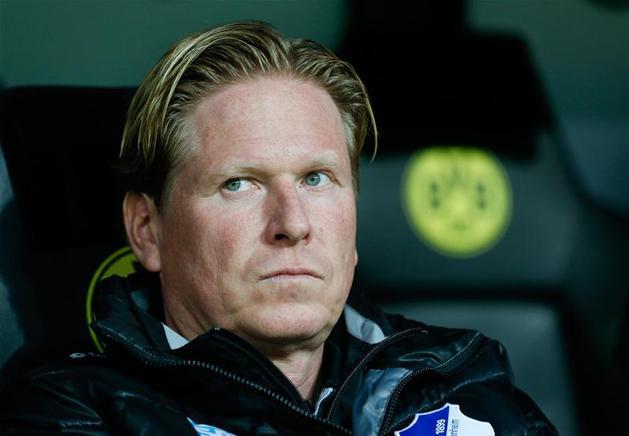 Markus Gisdolnak nem lesz könnyű dolga Hamburgban… (Fotó: Reuters)