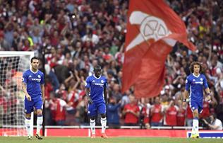 Vide�: a Chelsea 30 milli�s igazol�s�t a j�t�kvezet� is lefutotta az Arsenal-g�ln�l