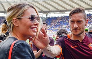 """Roma: """"Kirúgták a saját házából. Ilyet nem lehet csinálni!"""" – megszólalt Totti felesége"""