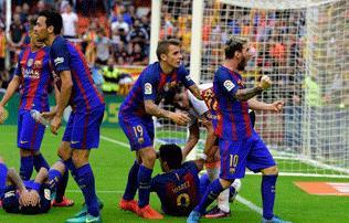 """Videó: """"ku.va anyátokat!"""" – Messi reakciója a dobálásra"""