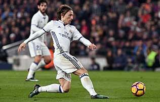 Real Madrid: Luka Modric más országban adózott – sajtóhír
