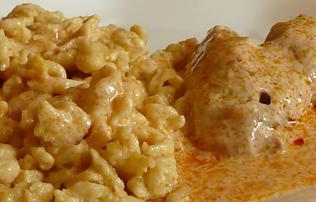 Fogadási csalás: paprikás csirkét ettek a vádlottak padján