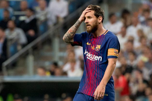 Elképzelhető, hogy a Barca-dresszt Manchester City-szerelésre cseréli Messi? (Fotó: AFP)