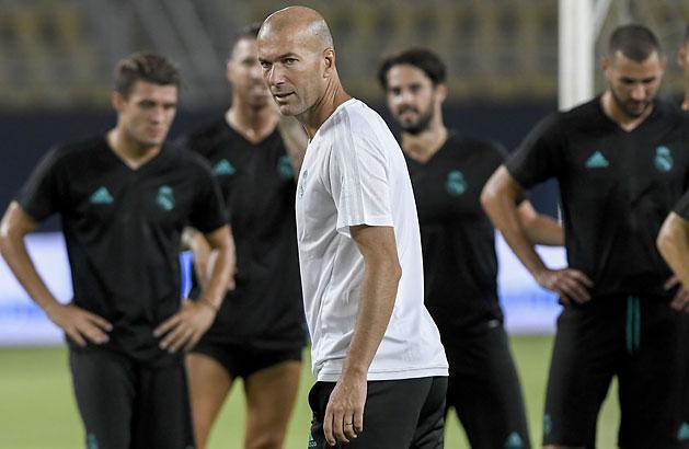 Zidane: Ne lessetek, éppen hamisítunk! (Fotó: AFP)