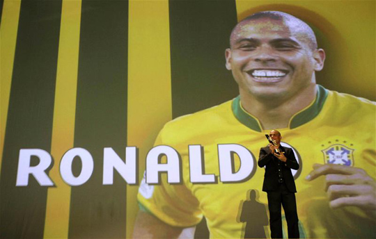 Búcsú a Fenoméntól  Ronaldo visszavonult - NSO 6bfa7381b1