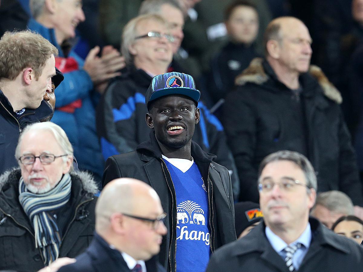 Oumar Niasse megint a lelátóra szorul (Fotó: AFP)