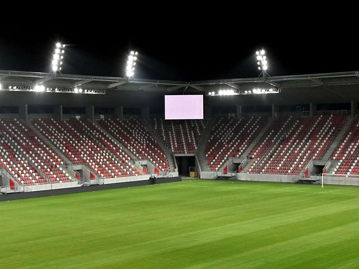 DVTK  már működik az új stadion világítása – fotók - NSO 8ff9ed5641